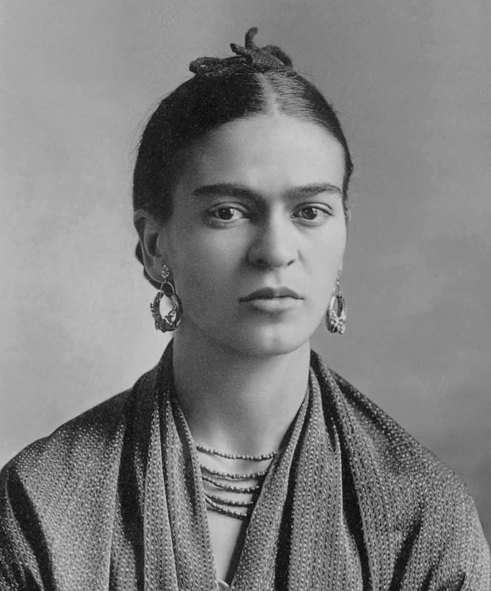 Frida_Kahlo_by_Guillermo_Kahlo_(cropped)